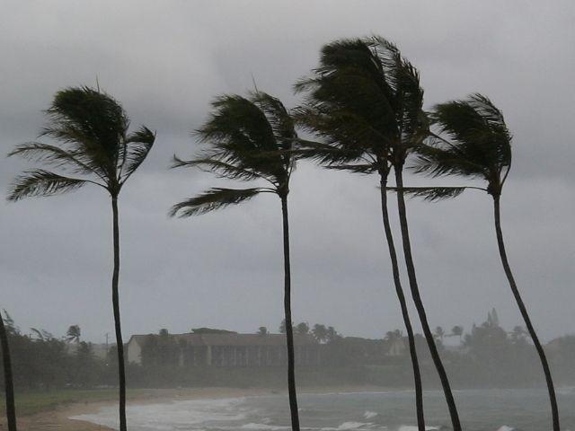 台風による暴風雨