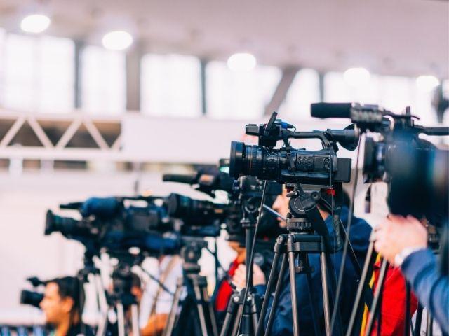 メディアの取材陣