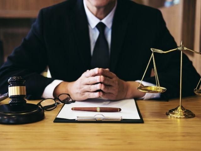 弁護士の男性