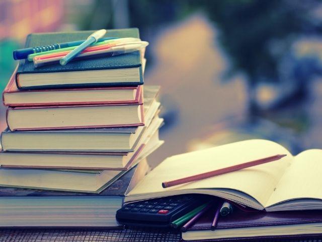 本で勉強する