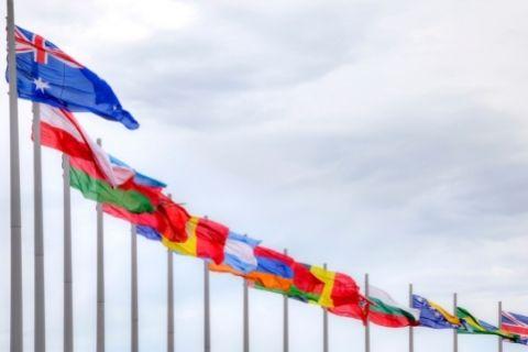 オリンピックで並べられた国旗