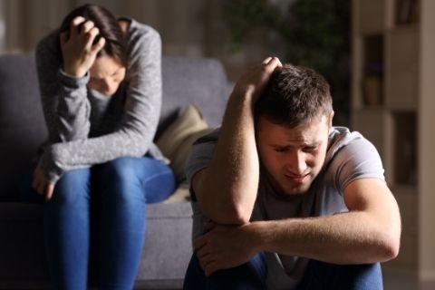 自粛でストレスのたまった男女カップル